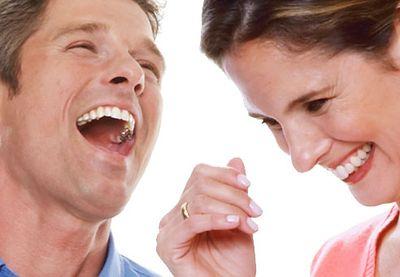 Men-women-laugh-out-loud-01-af